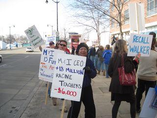 Racine M&I protest (3)