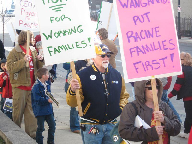 Racine M&I protest (2)