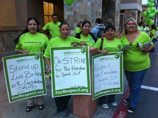 Walmart.workers.2