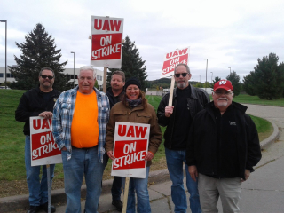 UAW Picket Line - 10-4-19 - 1 of 5 - Picket Line